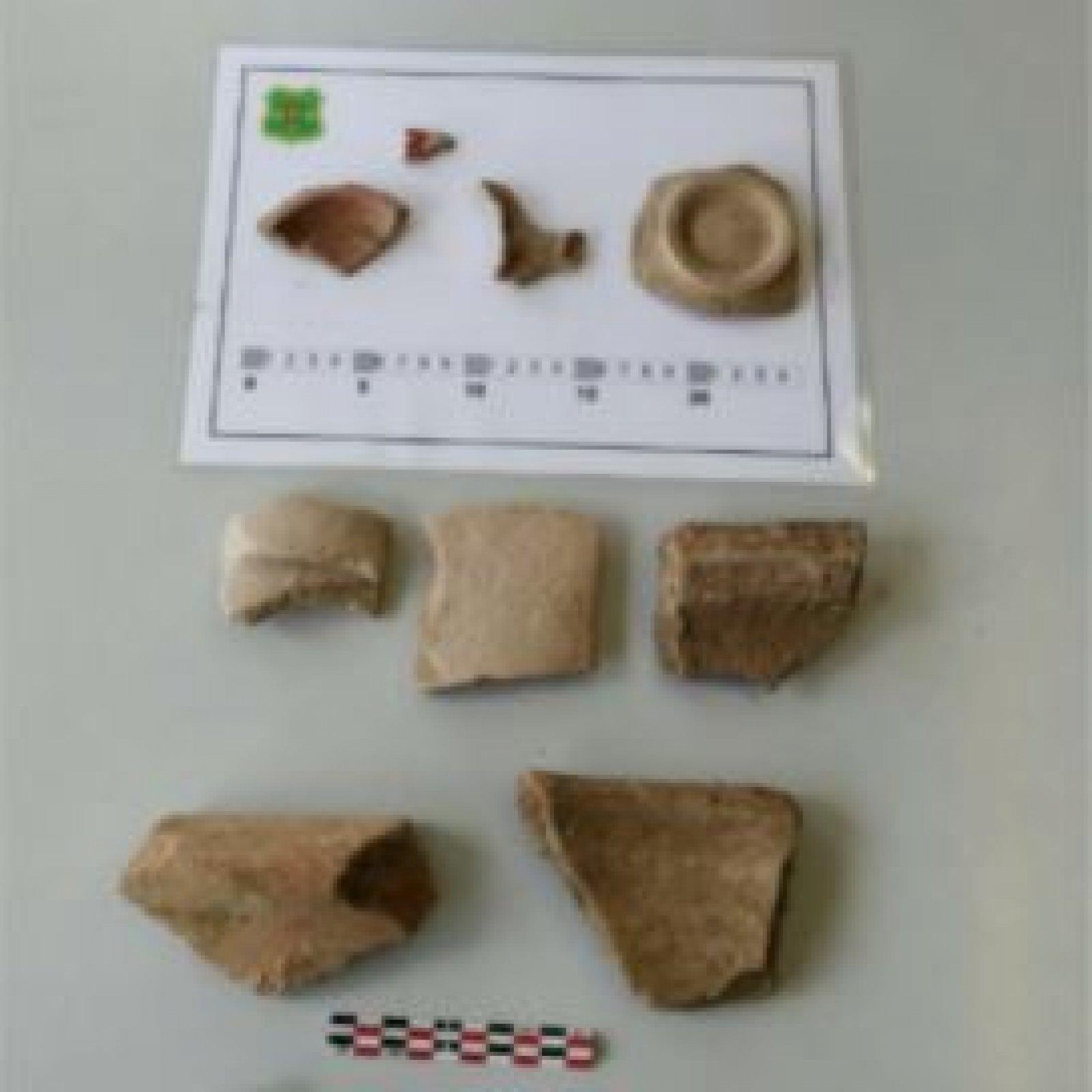 Algunes restes arqueològiques recollides a Juneda.