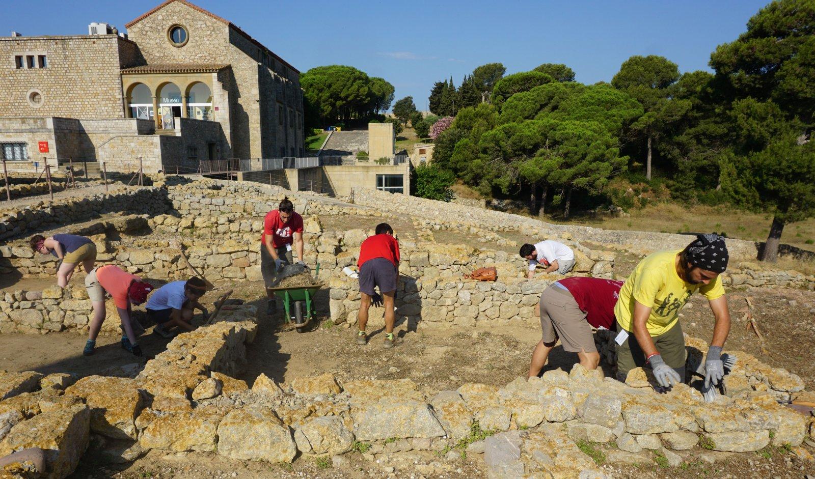 Excavacions a Empúries