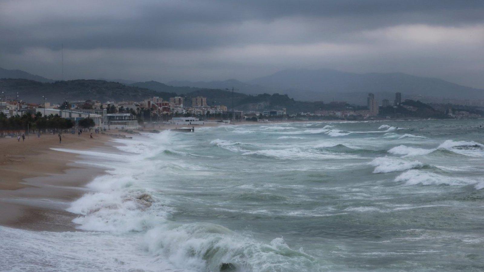 Les onades poden arribar als 4 metres