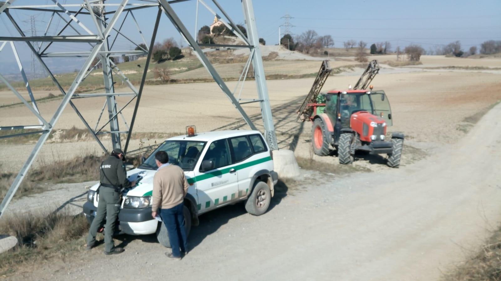 Inspecció de maquinària d'aplicació de productes fitosanitaris per part dels Agents Rurals