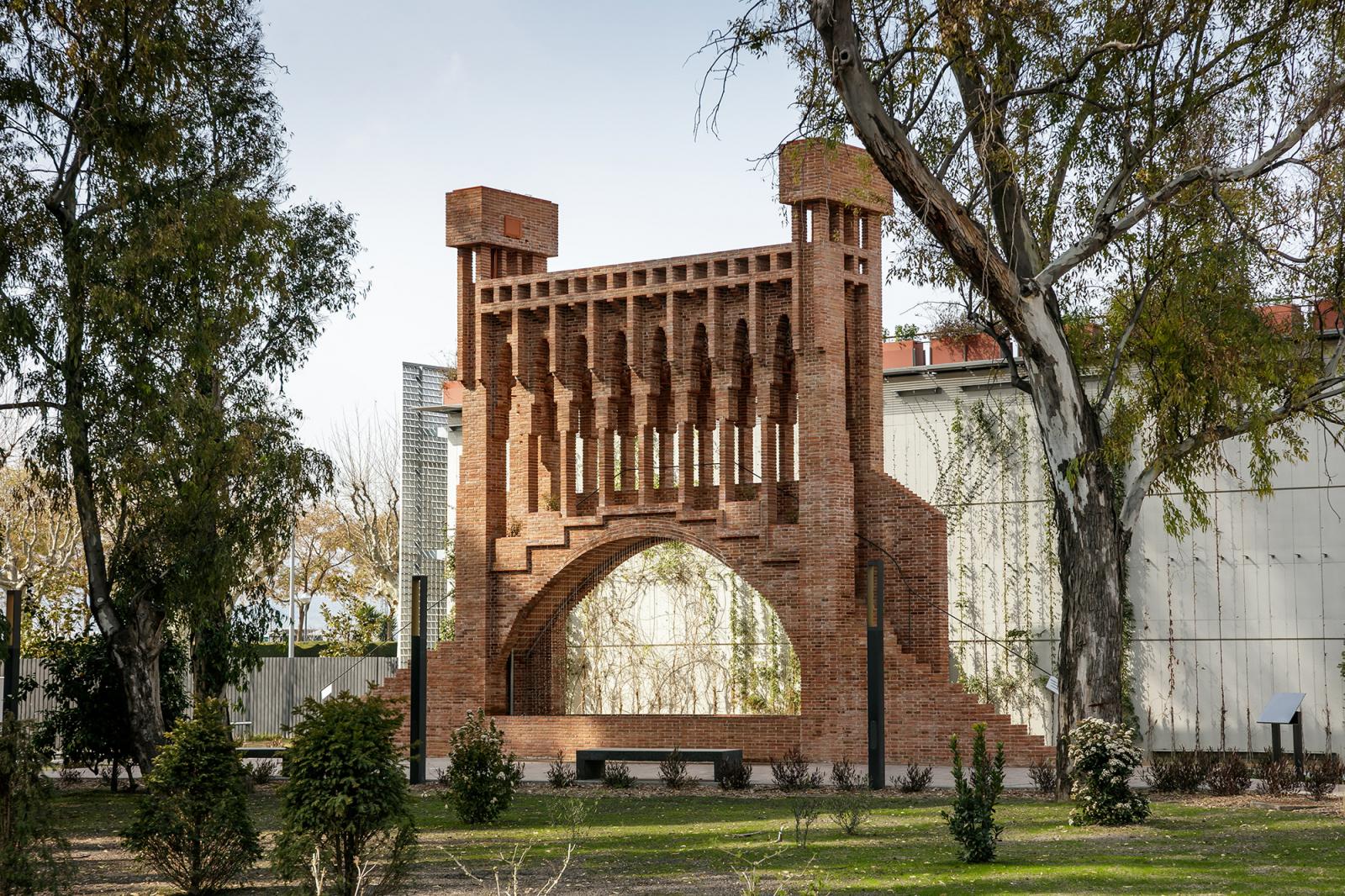 La cascada monumental dissenyada per Antoni Gaudí i, ara, reconstruïda al Museu de les Aigües