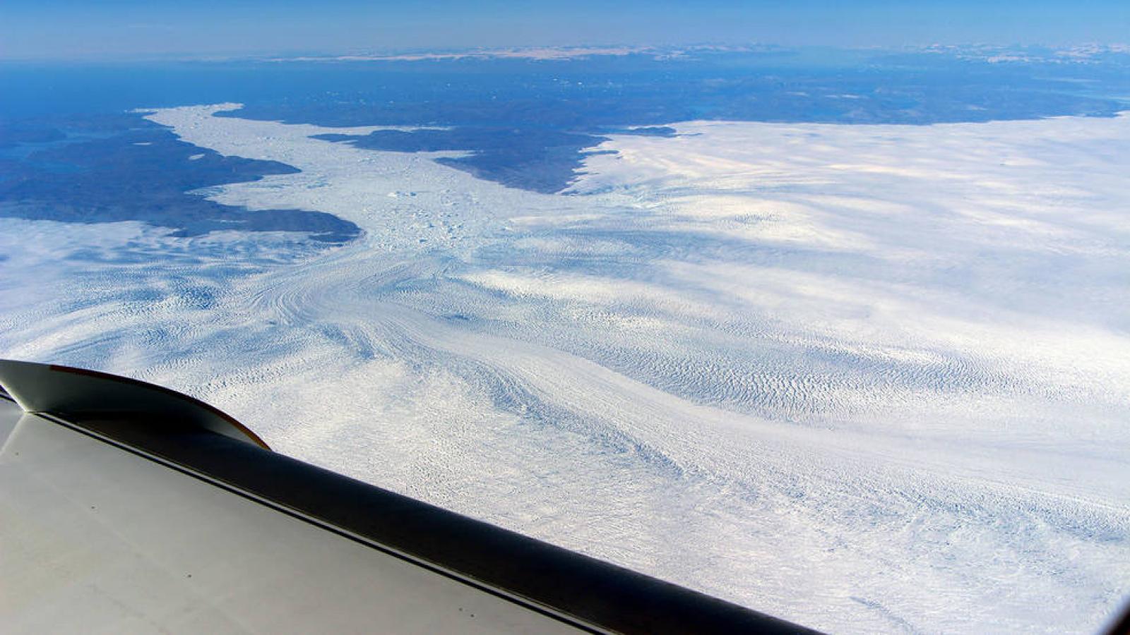 La glacera Jakobshavn vista des d'un avió de la NASA