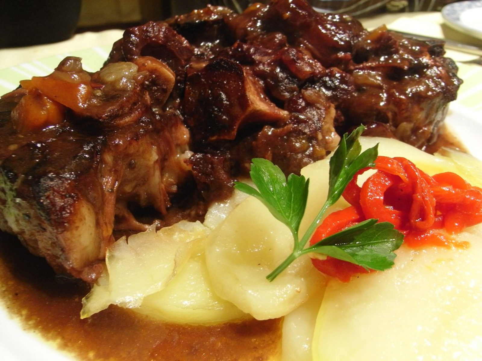 La cua de bou, un plat tradicional cordovès que aprofita aquest apèndixs del bestiar boví