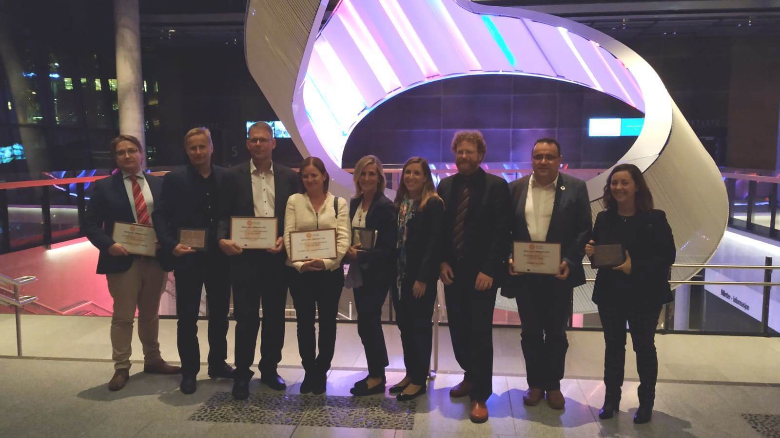 Fotografia de família dels premiats