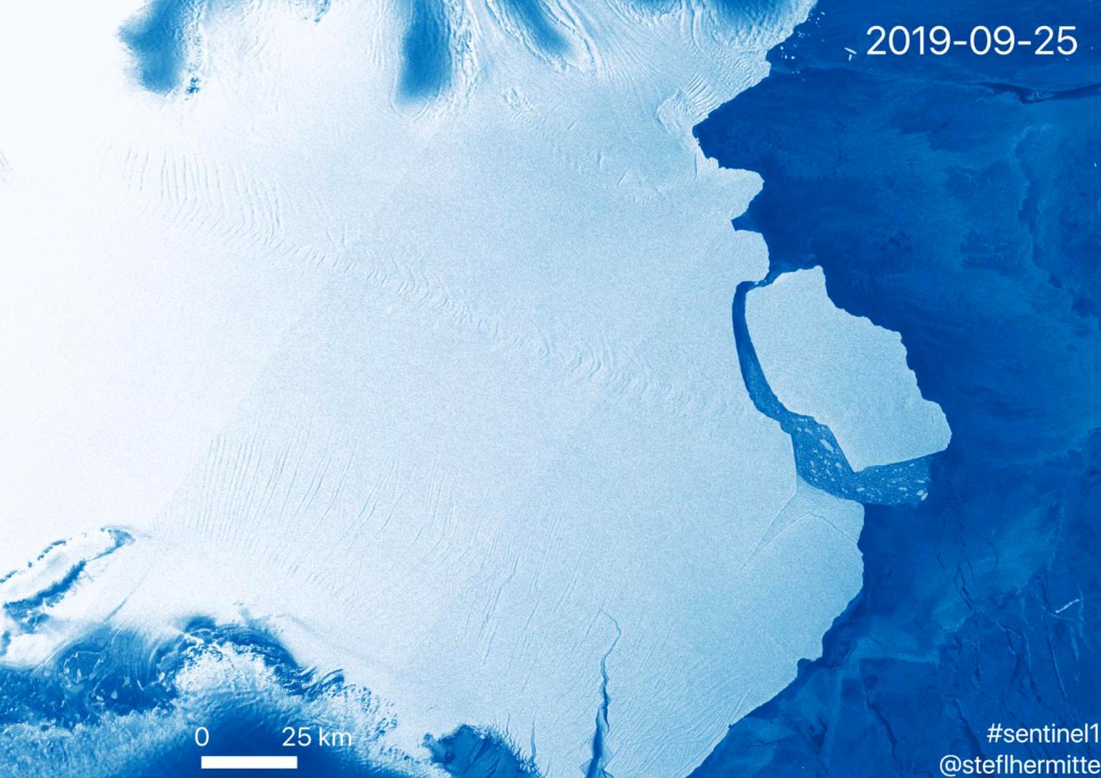 L'iceberg just després de la seva separació de la barrera de gel