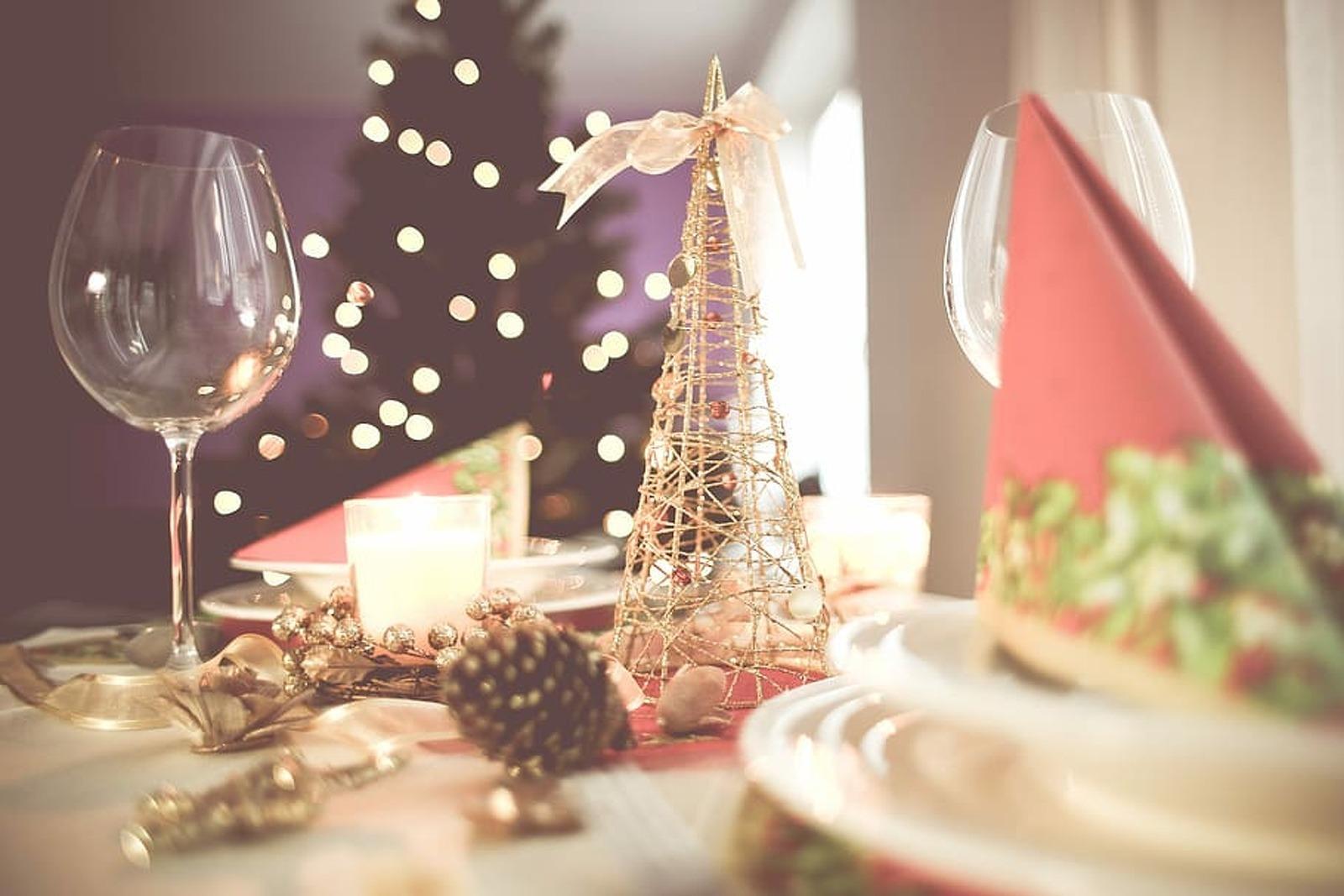 Una taula a punt per a un àpat nadalenc