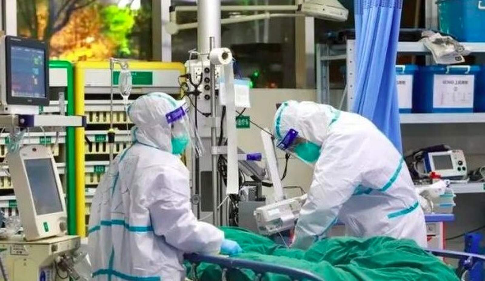 Equips sanitaris lluitant contra el coronavirus