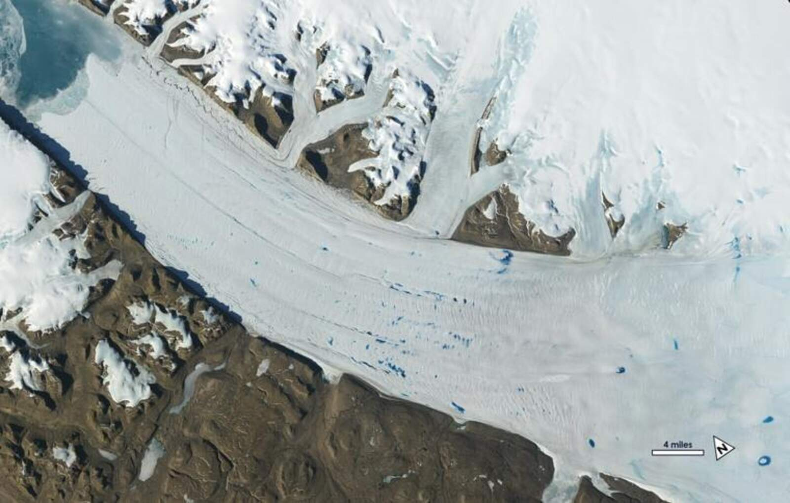 La glacera Petermann, a Grenlàndia
