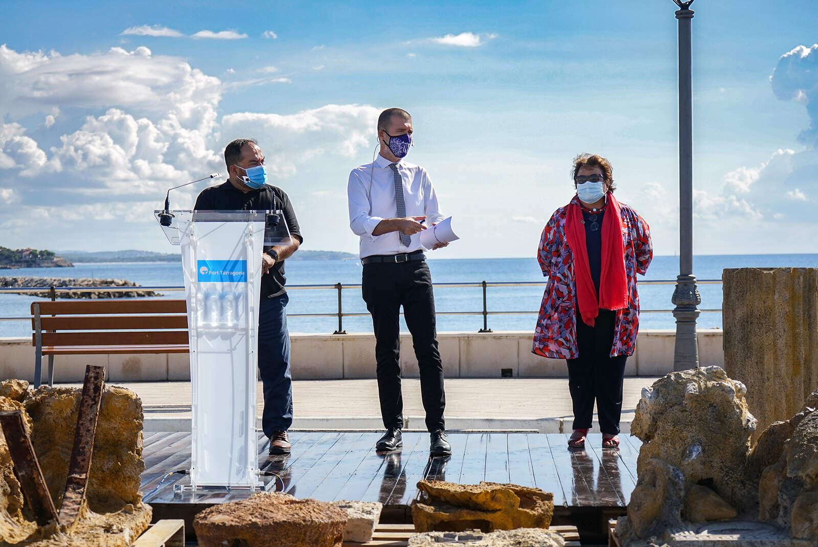 Responsables del port de Tarragona i la URV en la presentació del projecte