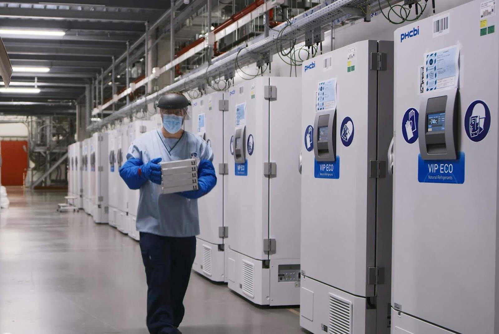 Congeladors amb la vacuna de Pfizer emmagatzemades a Bèlgica