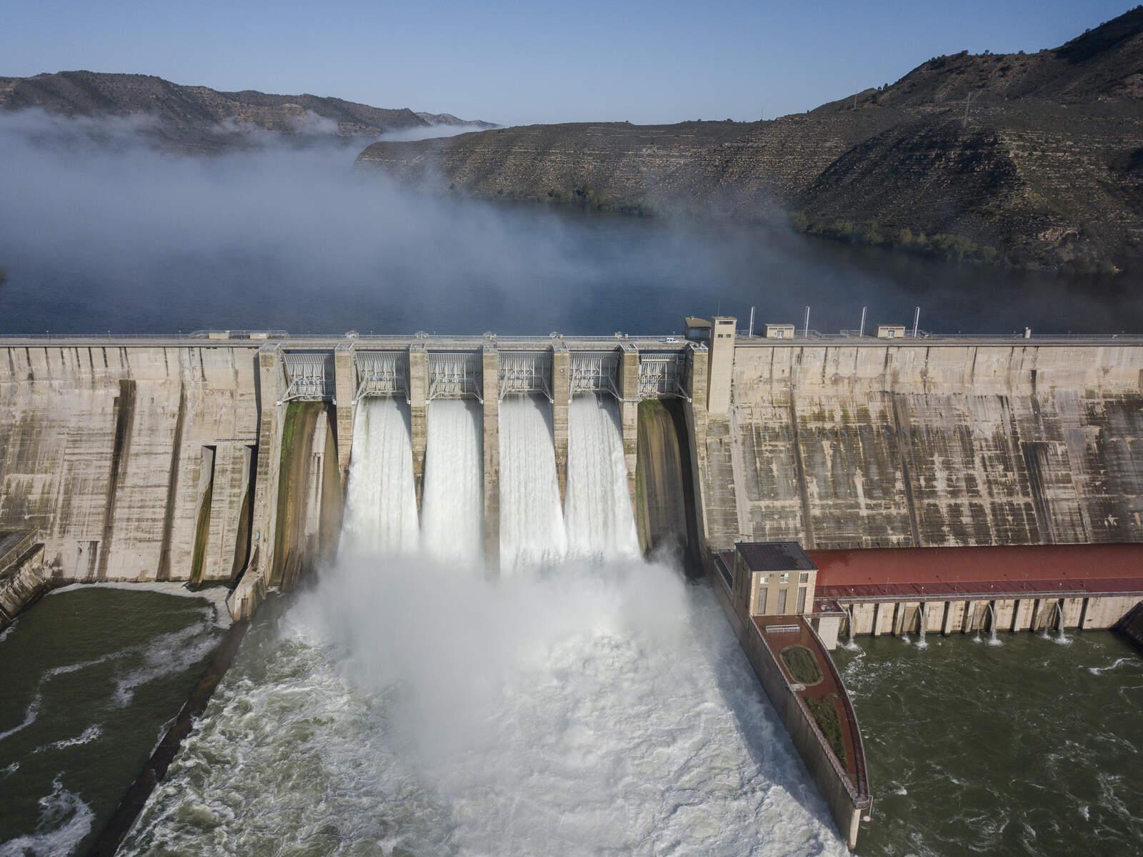 La presa de Mequinensa desembassant
