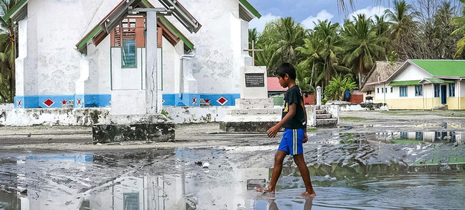 L'arxipèlag de Tuvalu, al Pacífic Sud, és altament vulnerable a la pujada de l'nivell de la mar provocada pel canvi climàtic