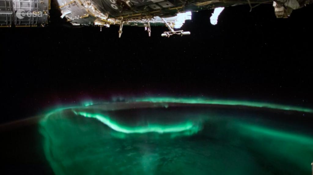 Aurora polar vista des de l'Estació Espacial Internacional  | Alexander Gerst / ESA