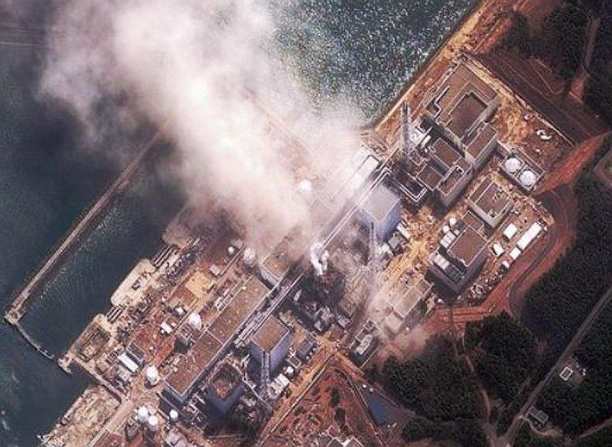 Vista aèria de la central nuclear de Fukushima el març de 2011  | naturalflow (CC)