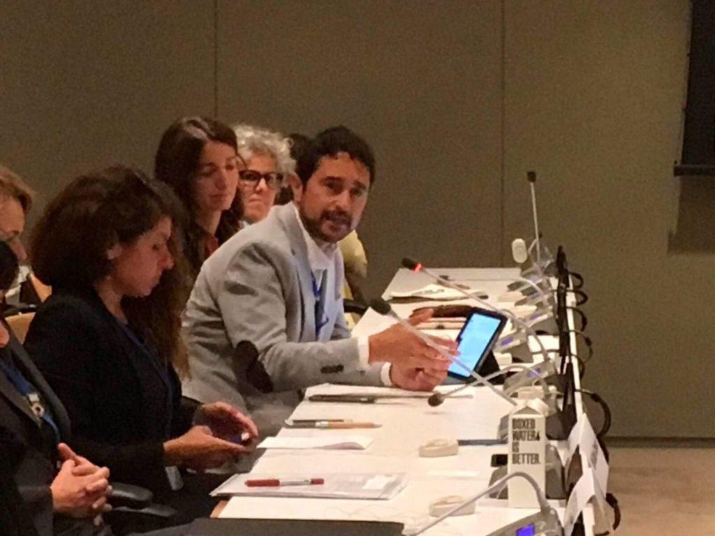 Damià Calvet, amb Marta Subirana a darrere, durant la seva intervenció a la seu de l'ONU  | Departament de Territori i Sostenibilitat