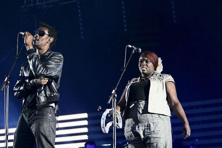 Massive Attack en concert en una imatge de 2008    Massive Attack