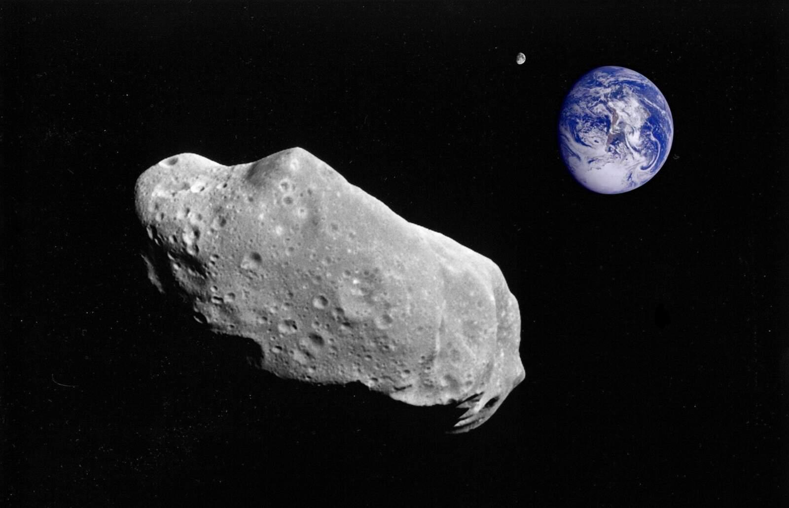 Asteroide dirigint-se a la Terra