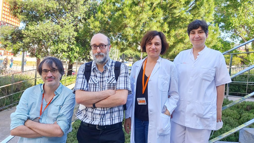 Equip d'investigadors de l'IDIBELL. D'esquerra a dreta Jordi Bruna, Antonio Rodríguez-Fornells, Marta Simó i Àngels Pera | ACN