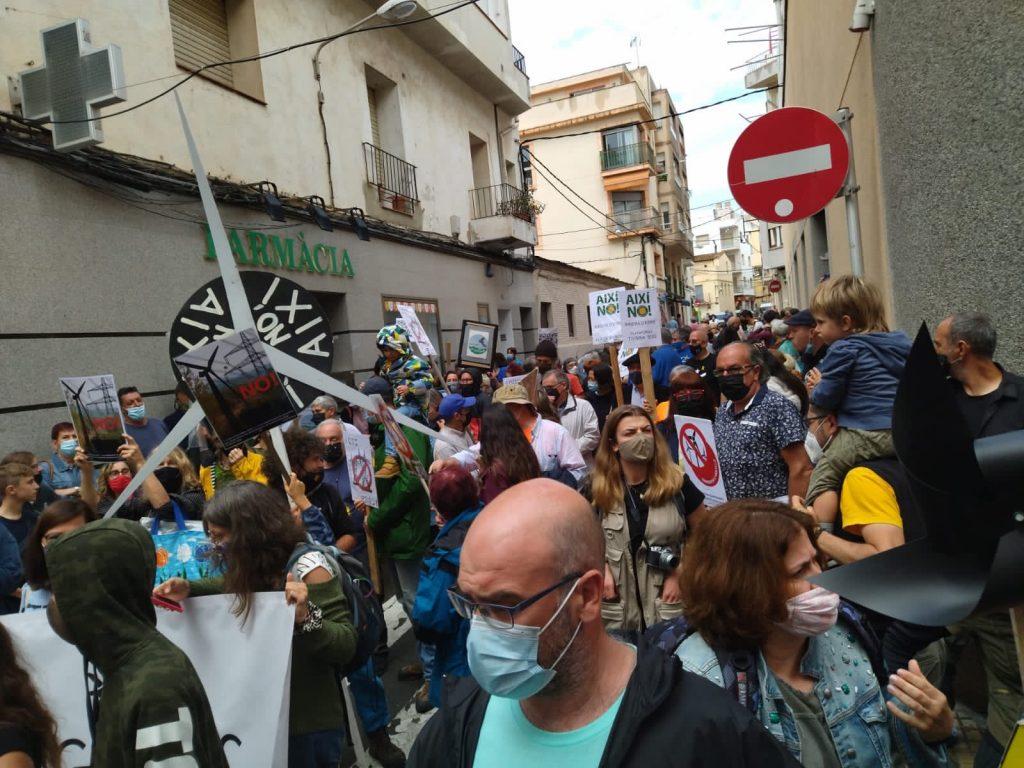 Manifestació contra el gran part eòlic de l'Ametlla de Mar | Terra Alta Viva / Twitter