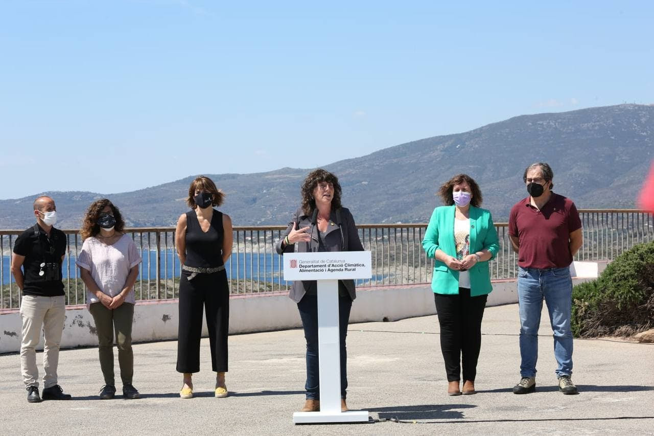 Teresa Jordà presentant el pla de xoc per evitar la massificació dels parcs naturals, al Parc Natural de Cap de Creus | Departament d'Acció Climàtica